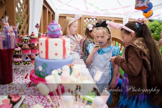 Alice in Wonderland birthday party 011