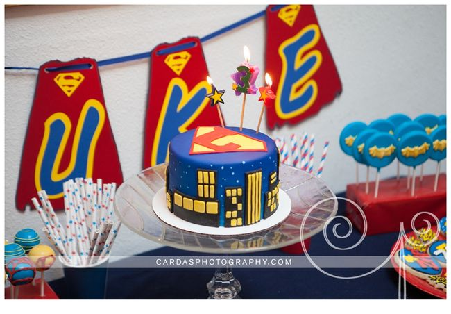 Superhero birthday party 030