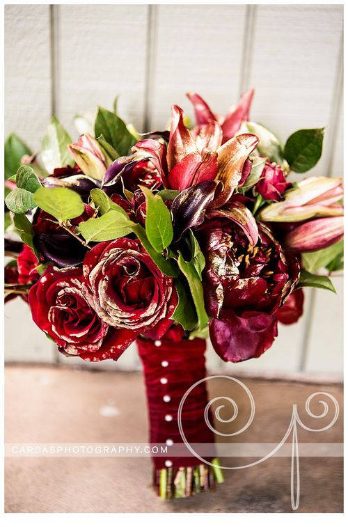 Coos Bay Oregon Red and Gold wedding 012