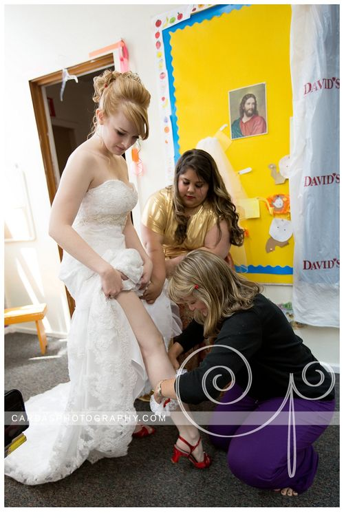 Coos Bay Oregon Red and Gold wedding 004