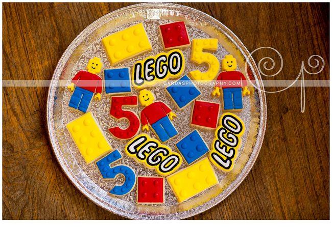 Lego 5th Birthday party cake (4)