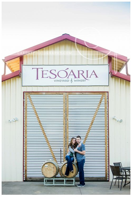Roseburg winery engagement photography Tesoaria (8)